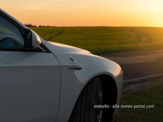 Sonnenuntergang am Rapsfeld