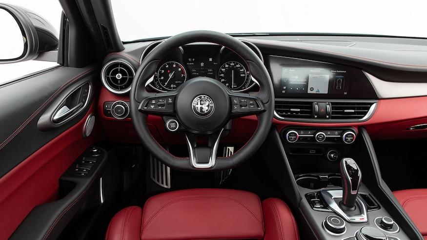 2020-Alfa-Romeo-Giulia-Q4-Ti-Sport-dashboard.jpg?fit=around%7C875:492